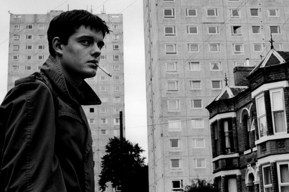 131113-ian-curtis-table